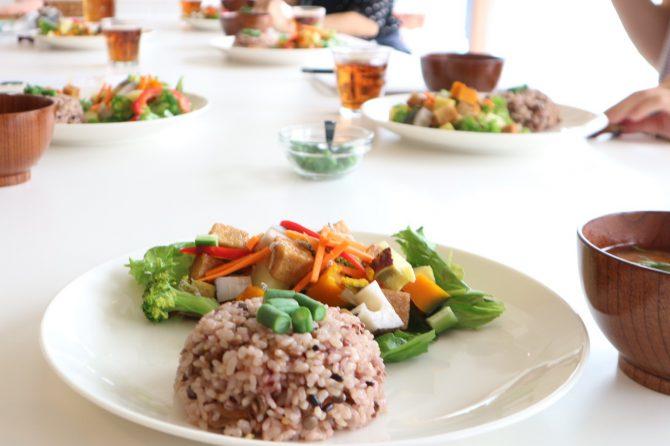 今日から食材の選び方を変えてみます!~「食と心のバランス講座」鎌倉本校開講レポート