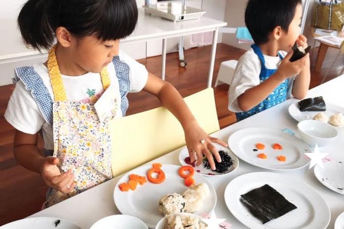 おにぎり喜んでくれるかな♪~「未来の台所力育成!子ども料理教室~幼児クラス」開催レポート